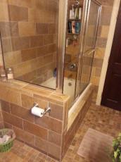 Bathtub with Glass Door
